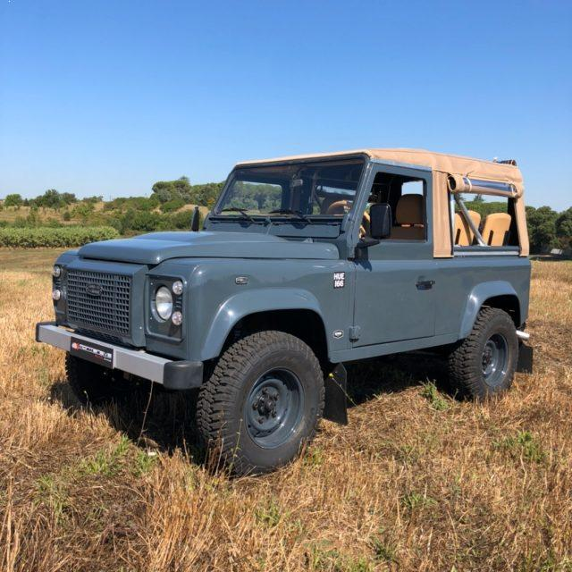 LAND ROVER Defender 300 TDI HERITAGE STYLE SOFT TOP